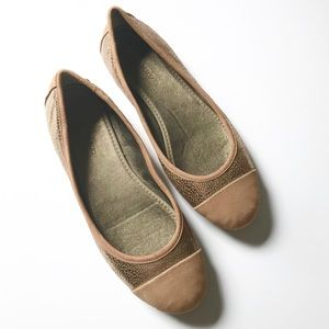 Banana Republic Leather Ballet Flats